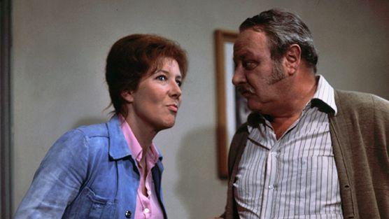 """Veronika Fitz und Gustl Bayrhammer im """"Tatort / Wohnheim Westendstraße"""" von 1976"""