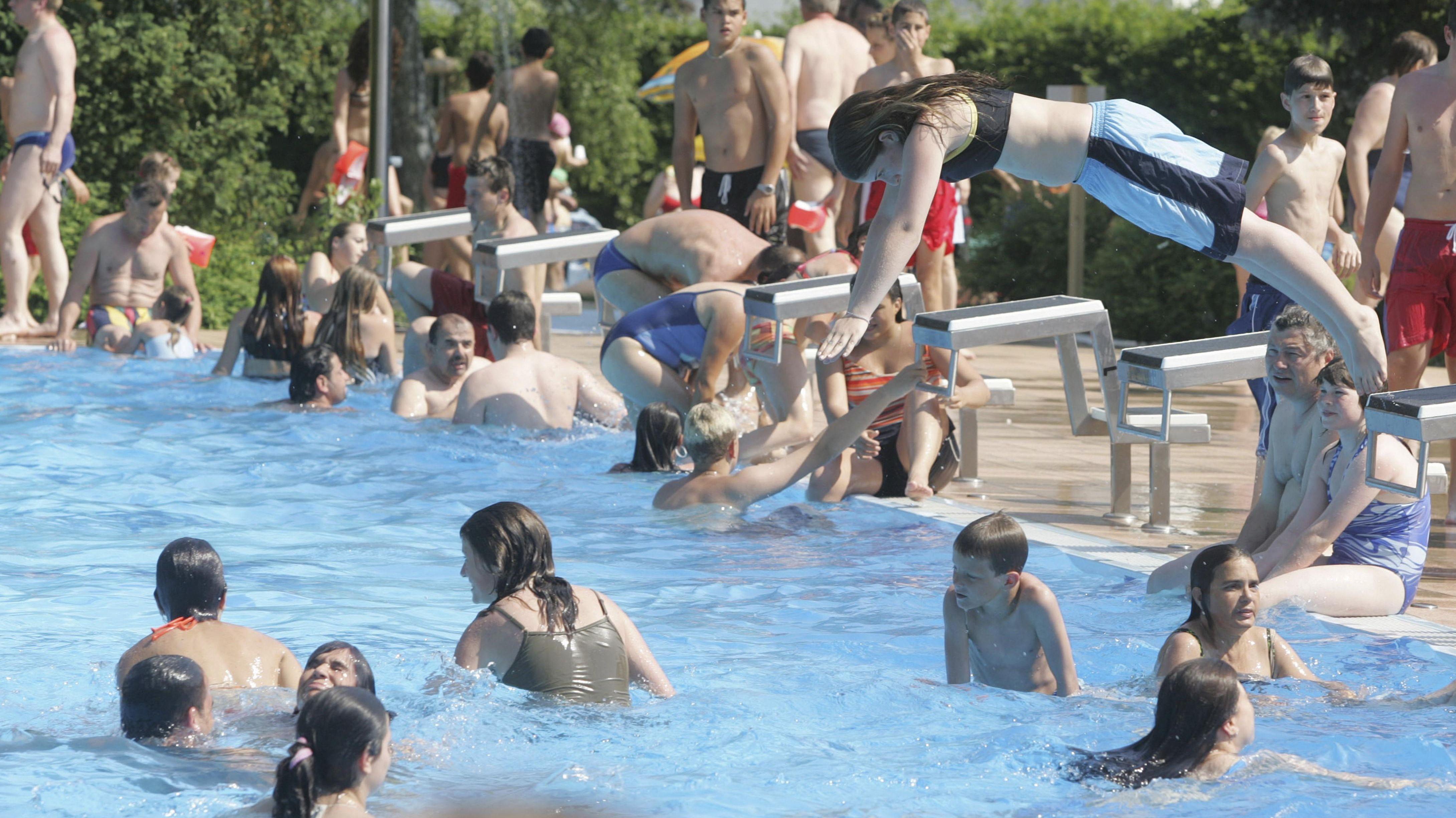 Menschen im Schwimmbad