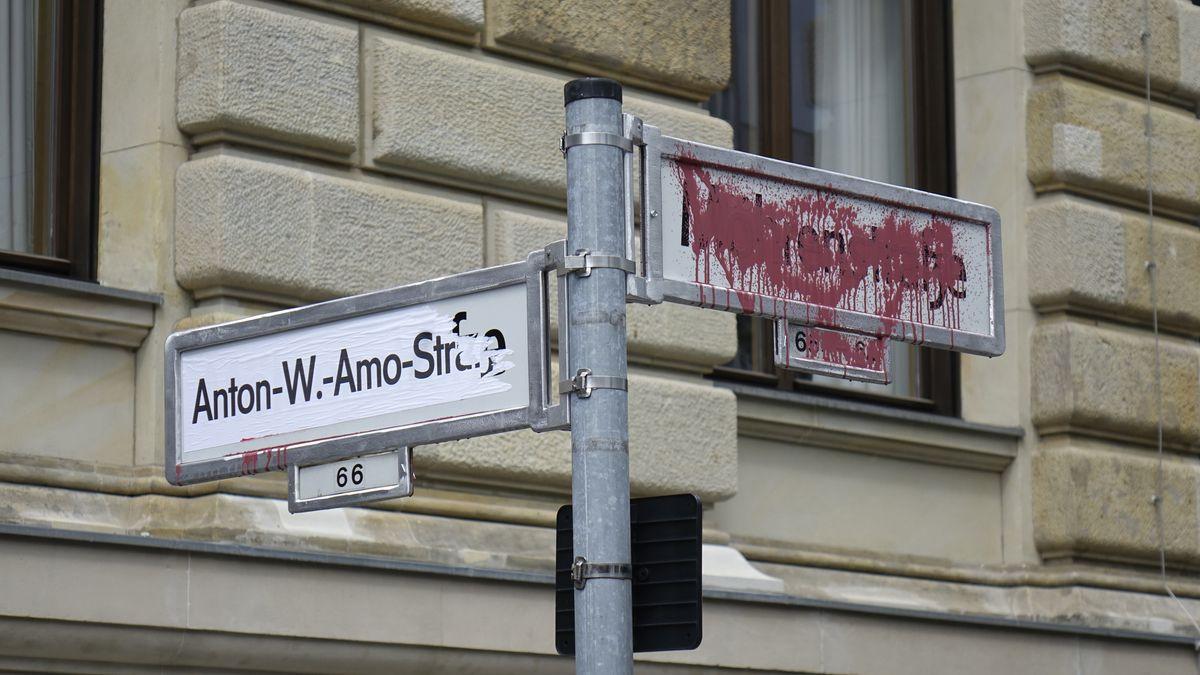 Mitte, Mohrenstrasse, Berlin, Eine Strasse in Berlin soll umbenannt werden.