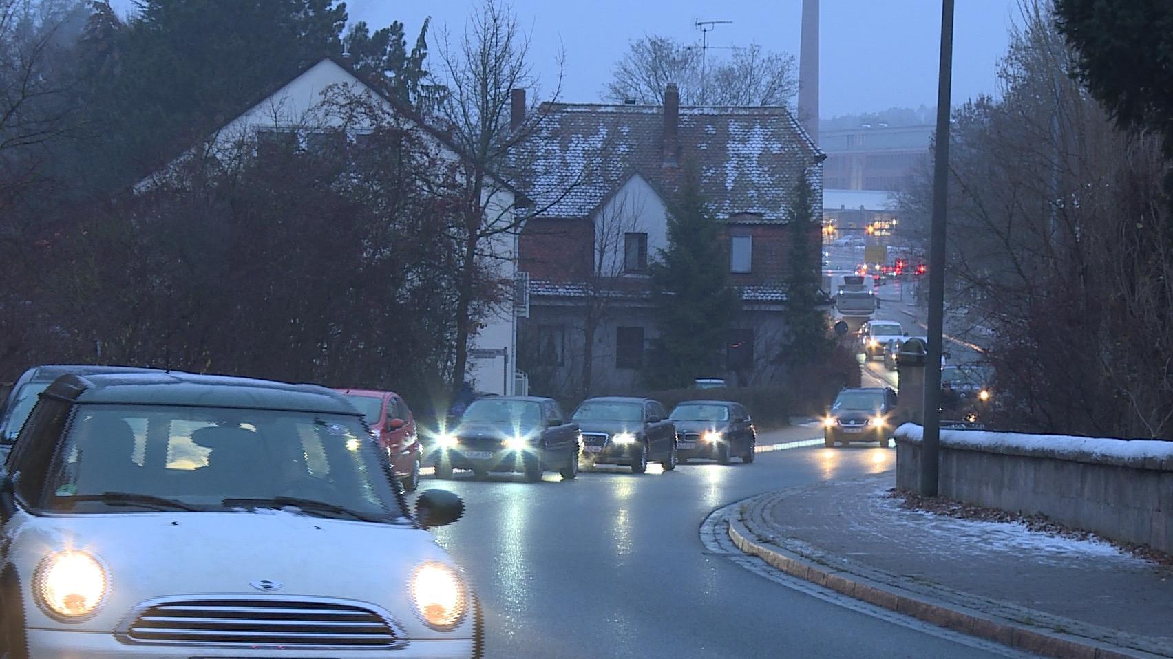 Autos stehen in Buckenhof