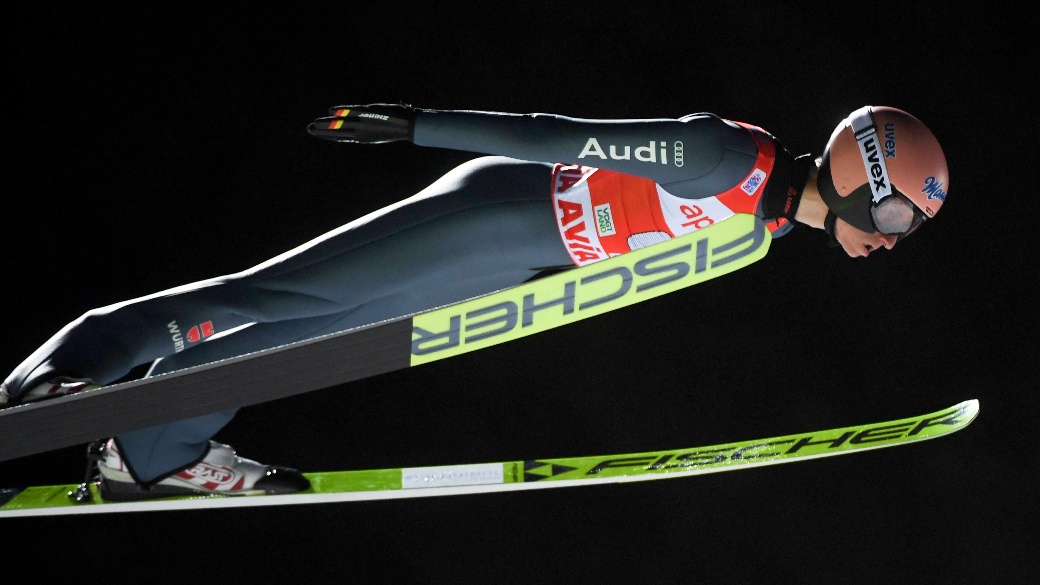Karl Geiger beim Weltcup-Springen in Klingenthal