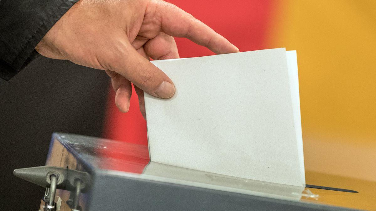 Şimdiden Almanya Federal Meclis seçimleriyle ilgili dedikodular dolaşıyor. BR24-#Faktenfuchs en sık ortaya atılan iddiaları araştırdı.