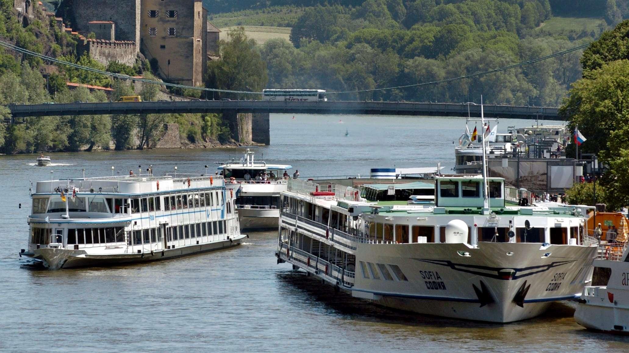 Passagierschiffe in Passau auf der Donau
