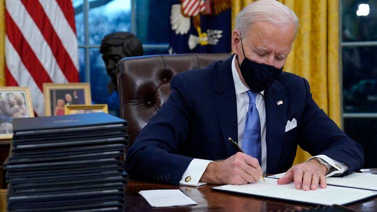 Biden startete mit wichtigen Entscheidungen, etwa zum Pariser Klimaabkommen. Auch zur Regulierung von Tech-Unternehmen gibt es bereits Pläne.