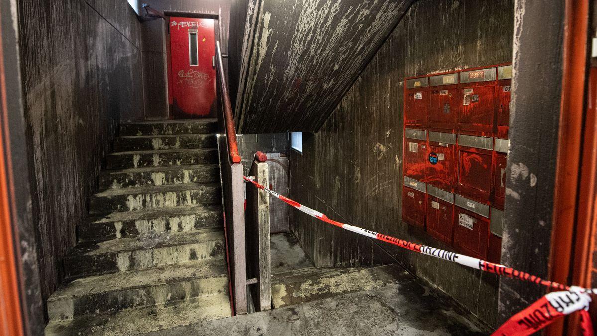 Treppenhaus eines Studentenwohnheims im Münchner Stadtteil Freimann nach einem Feuer