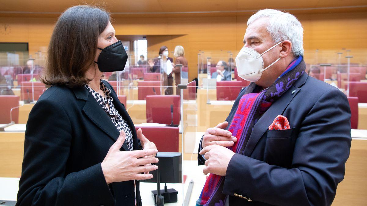 Landtagspräsidentin Ilse Aigner und der Antisemitismus-Beauftragte der Staatsregierung Ludwig Spaenle