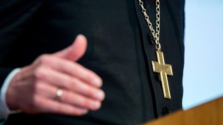 Bistum Regensburg sieht keinen Bedarf mehr eine neue Kommission zur Aufarbeitung von sexuellem Missbrauch zu gründen   Bild:BR