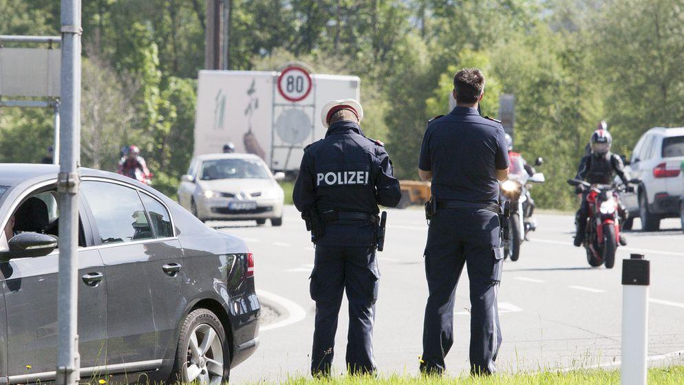 Polizeikontrolle in Österreich (Symbolbild) | Bild:picture alliance