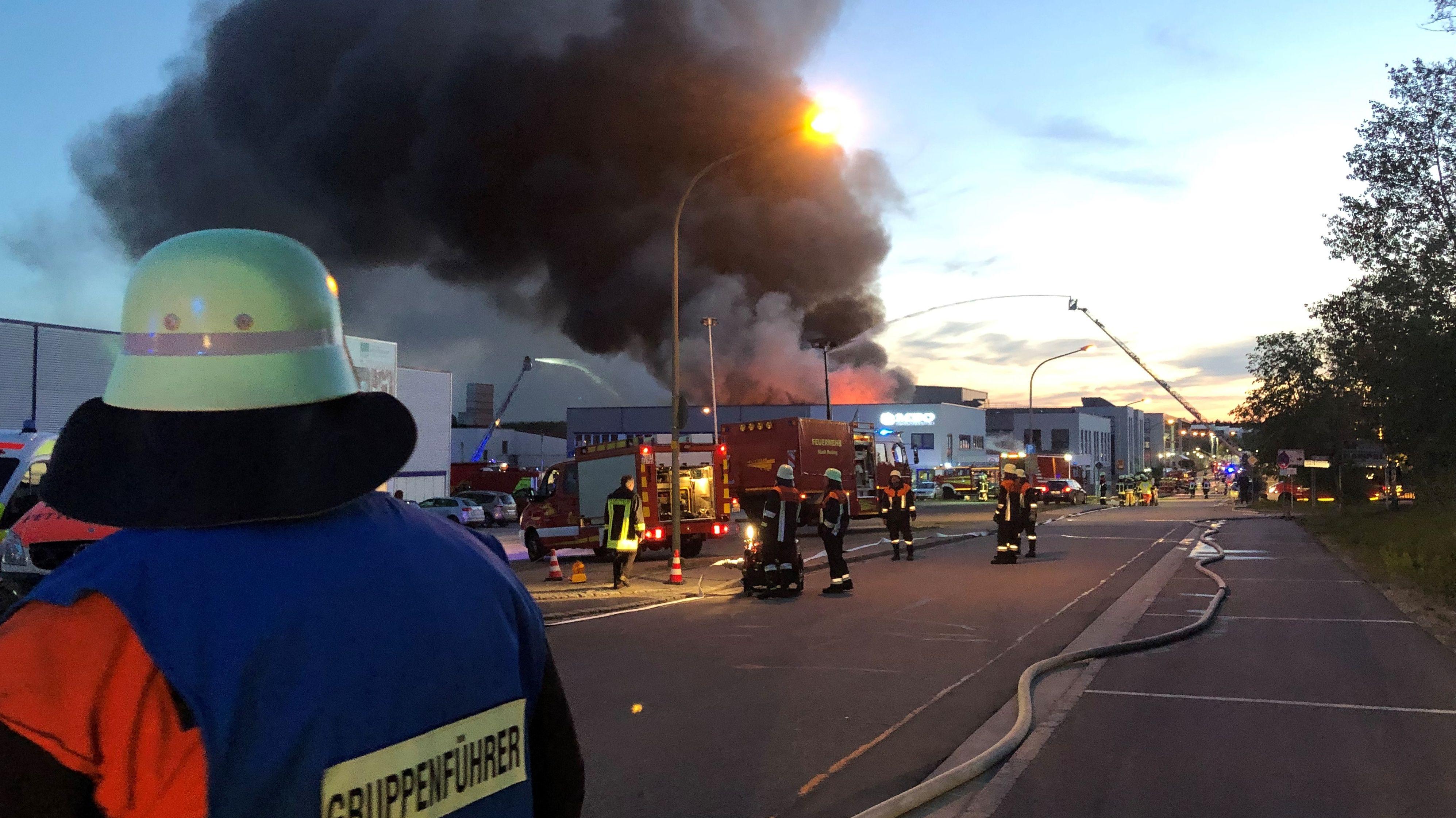 Brand beim Rodinger Unternehmen der Mühlbauer Group