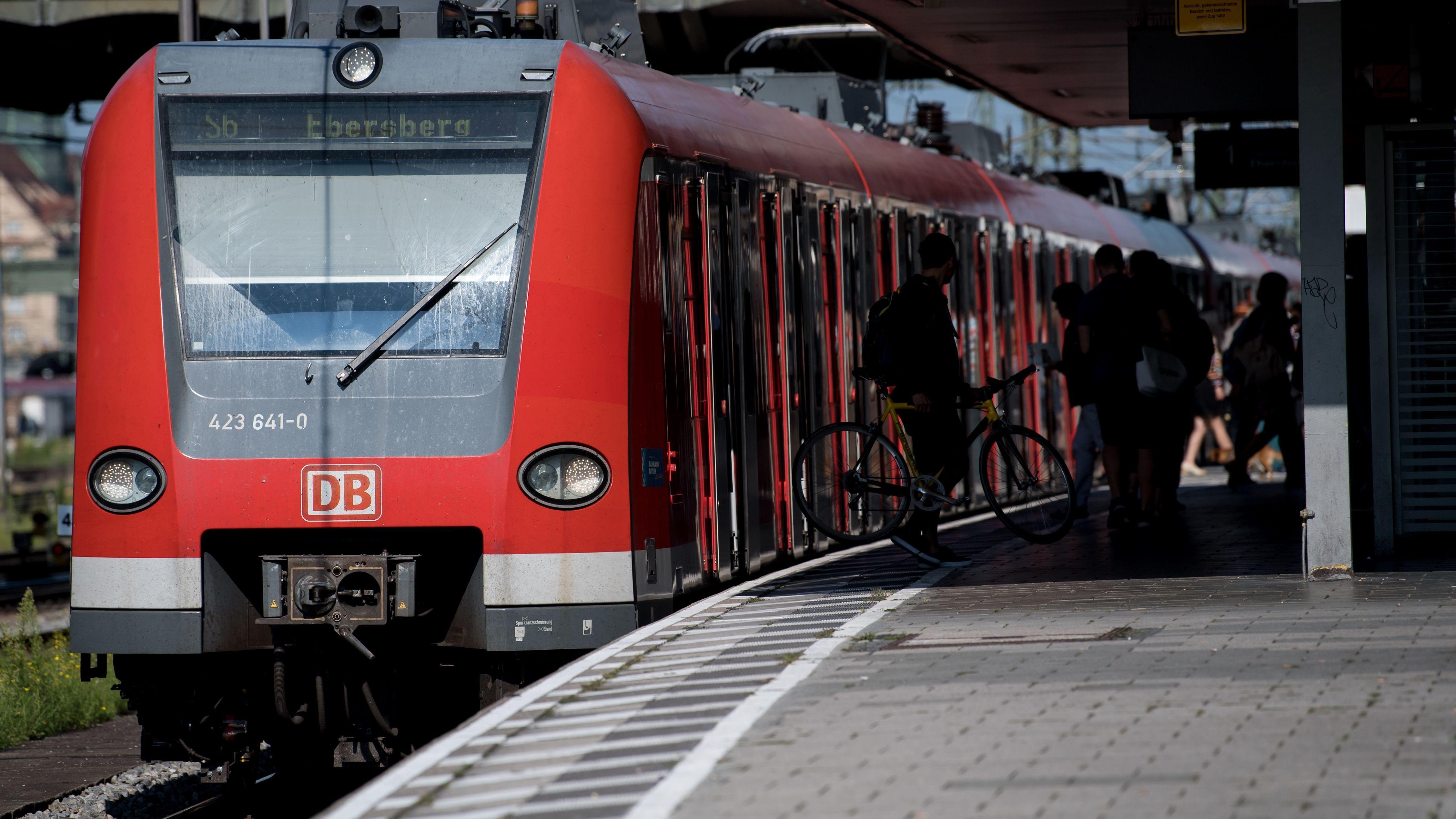 S-Bahn Richtung Ebersberg (Archivbild).