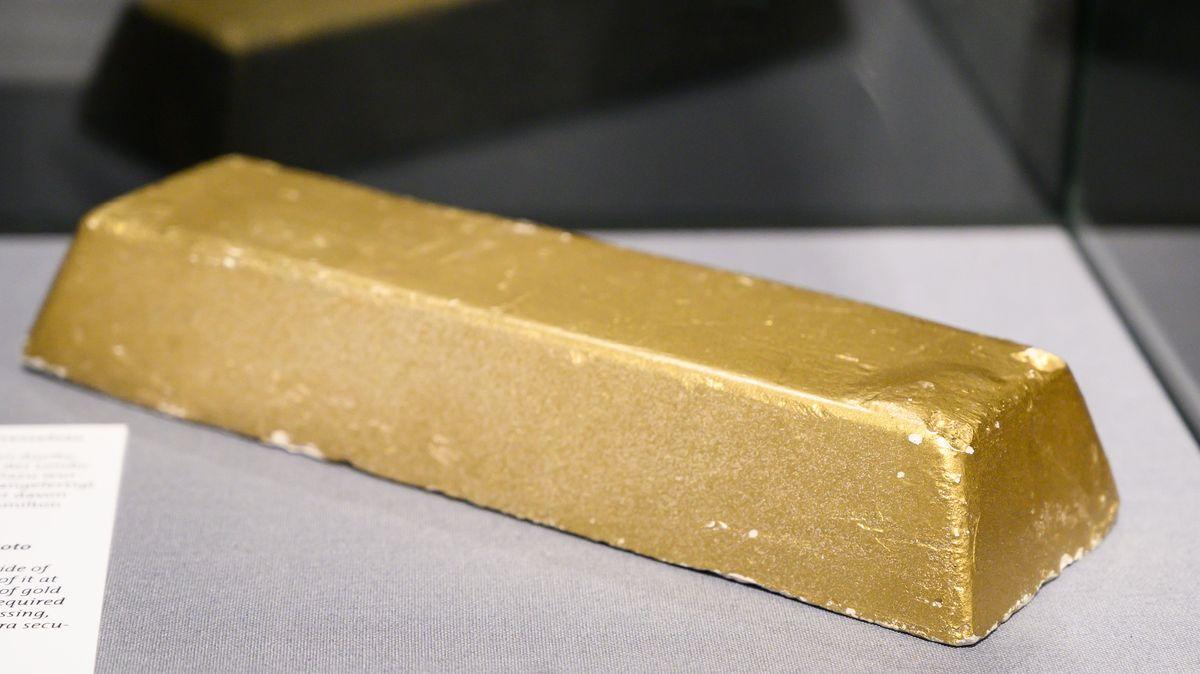 Goldbarren in einer Ausstellung
