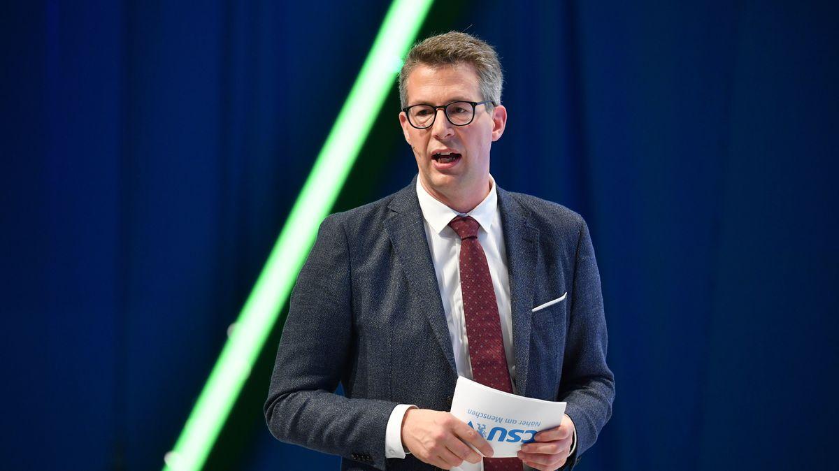 """Für Markus Blume ist das Ergebnis der AfD das wichtigste Ergebnis der Wahl in Hamburg: """"Es könnte ein historischer Tag werden."""""""
