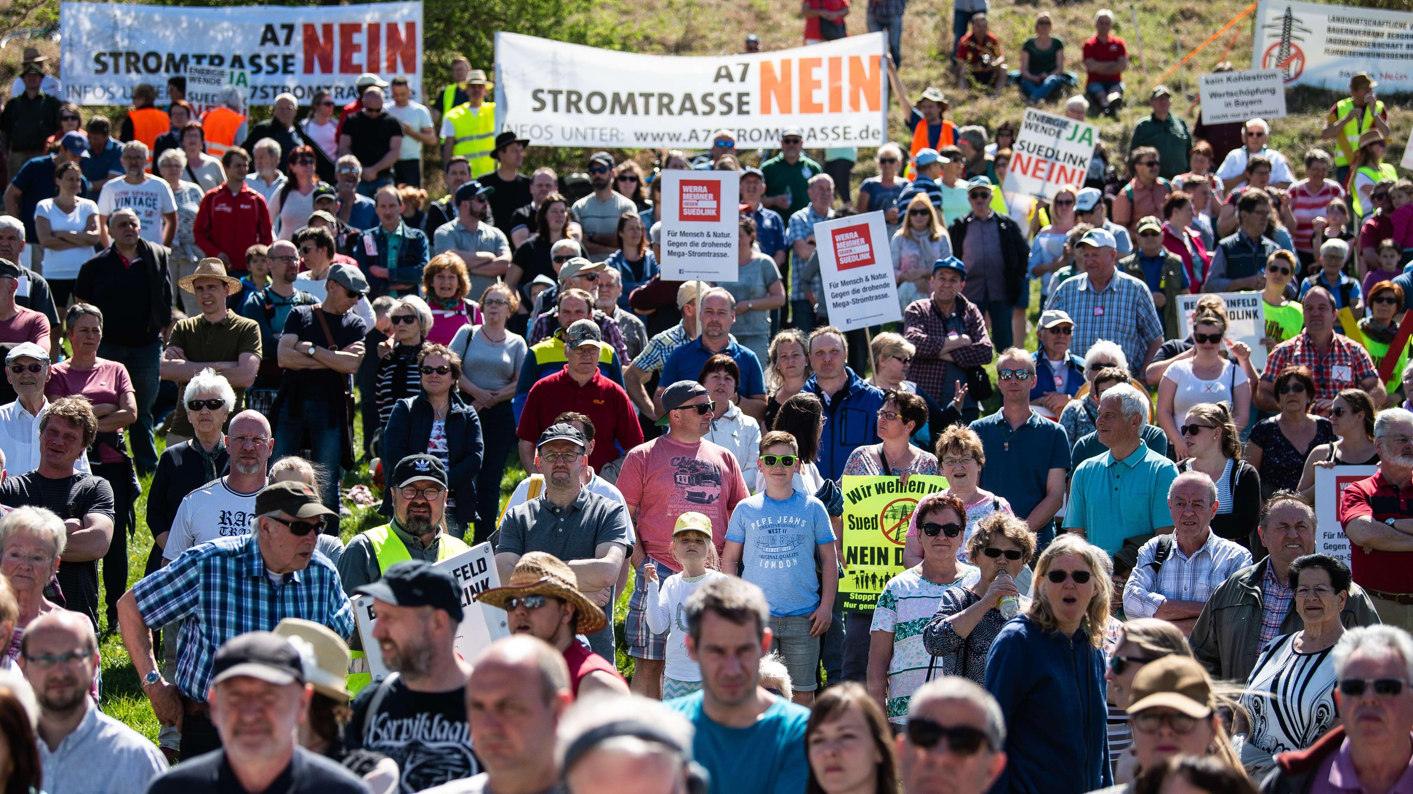 Demo gegen Suedlink-Stromtrasse im thüringischen Lauchröden