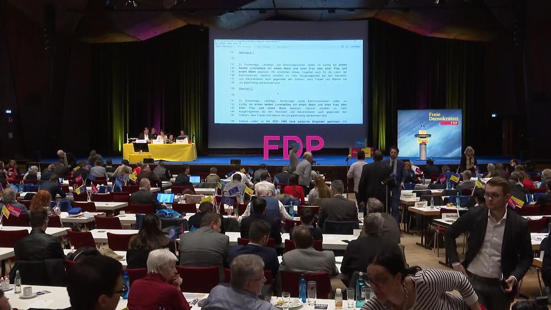 Beim Landesparteitag der FDP in Erlangen wurde lange über eine Frauenquote diskutiert.