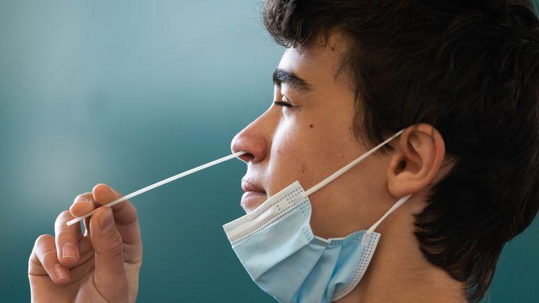 Die Gesundheitsämter in Deutschland haben dem Robert Koch-Institut (RKI) binnen eines Tages 9609 Corona-Neuinfektionen gemeldet. | Bild:picture alliance/dpa | Philipp von Ditfurth