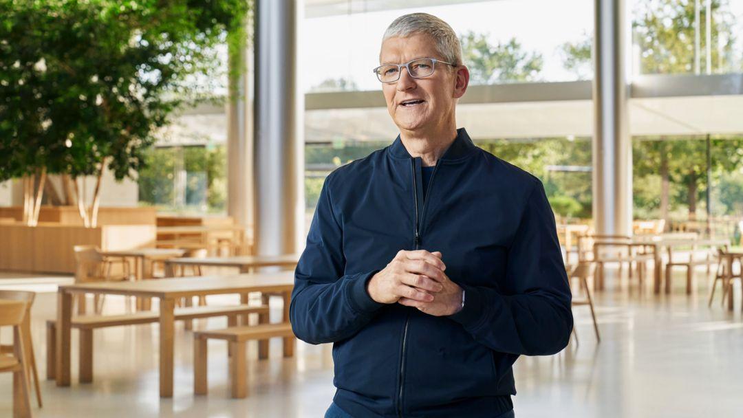 Apple-Chef Tim Cook kündigt neue Macintosh-Computer an.