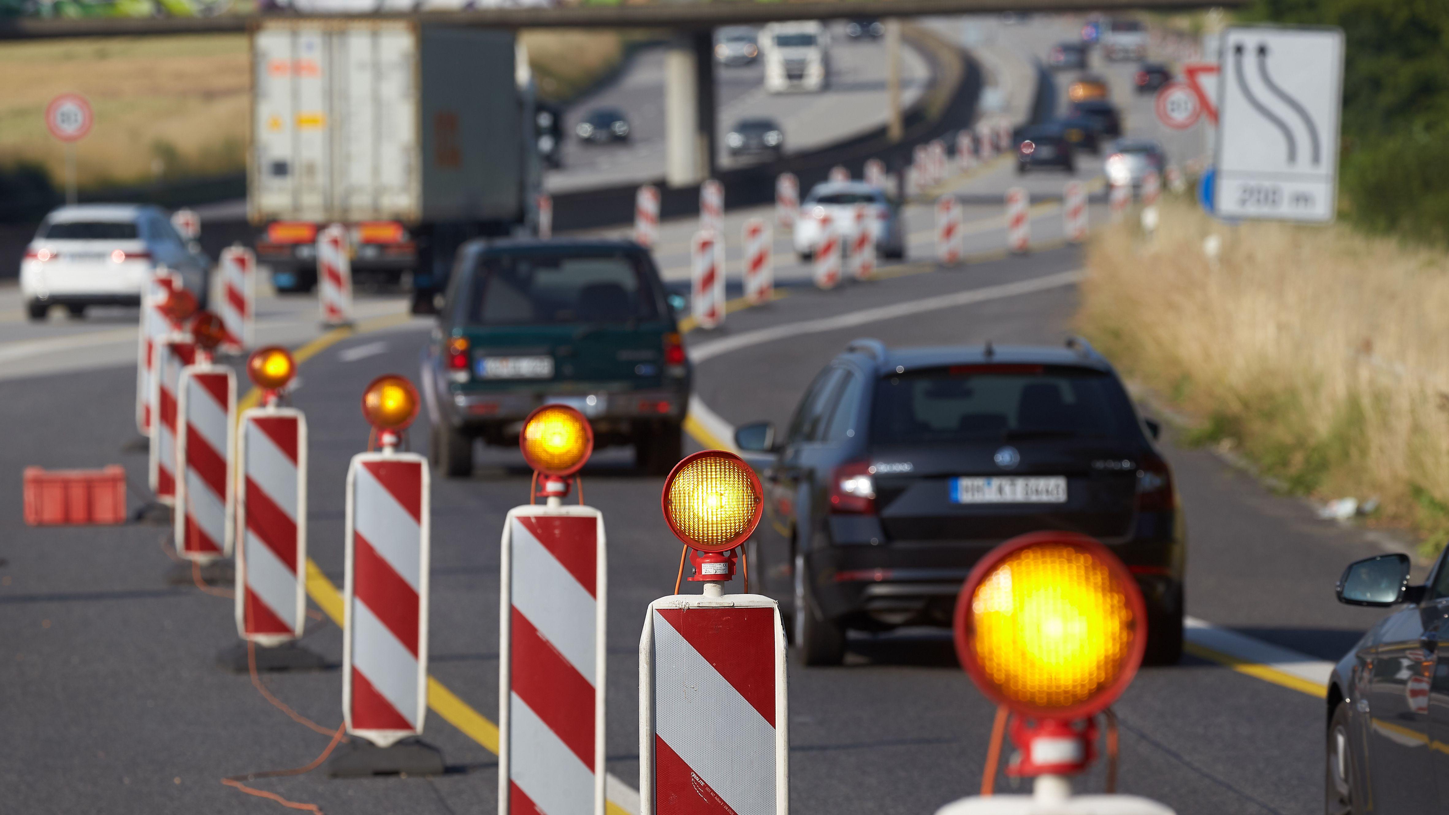 Symbolbild: Stau auf Autobahn