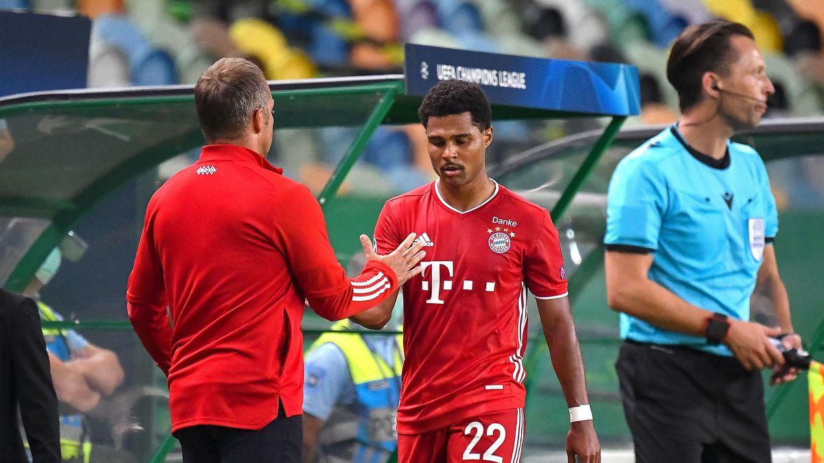 FC-Bayern-Trainer Hansi Flick und Doppeltorschütze Serge Gnabry