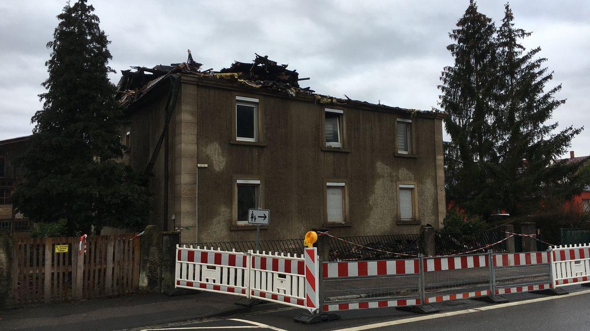 Das Mehrfamilienhaus in Zeil am Main nach dem Brand