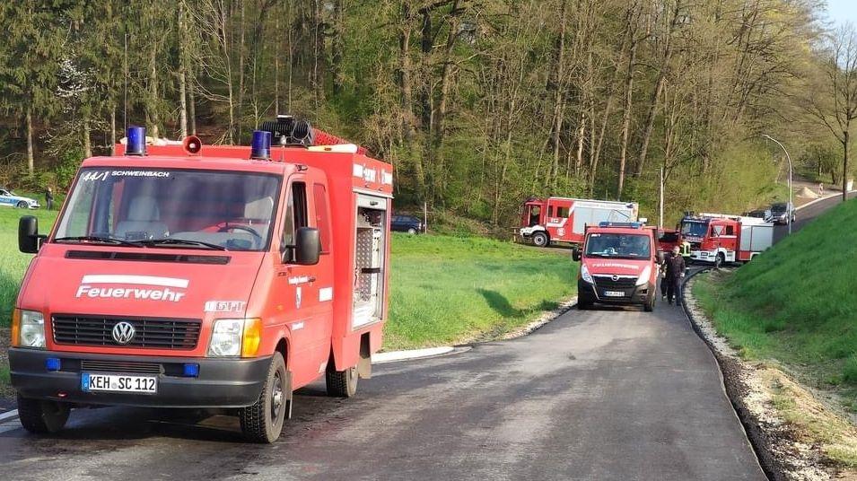 Drei Nachbarfeuerwehren aus den Ortschaften Nierderumelsdorf, Schweinbach und Ludmannsdorf waren beteiligt.