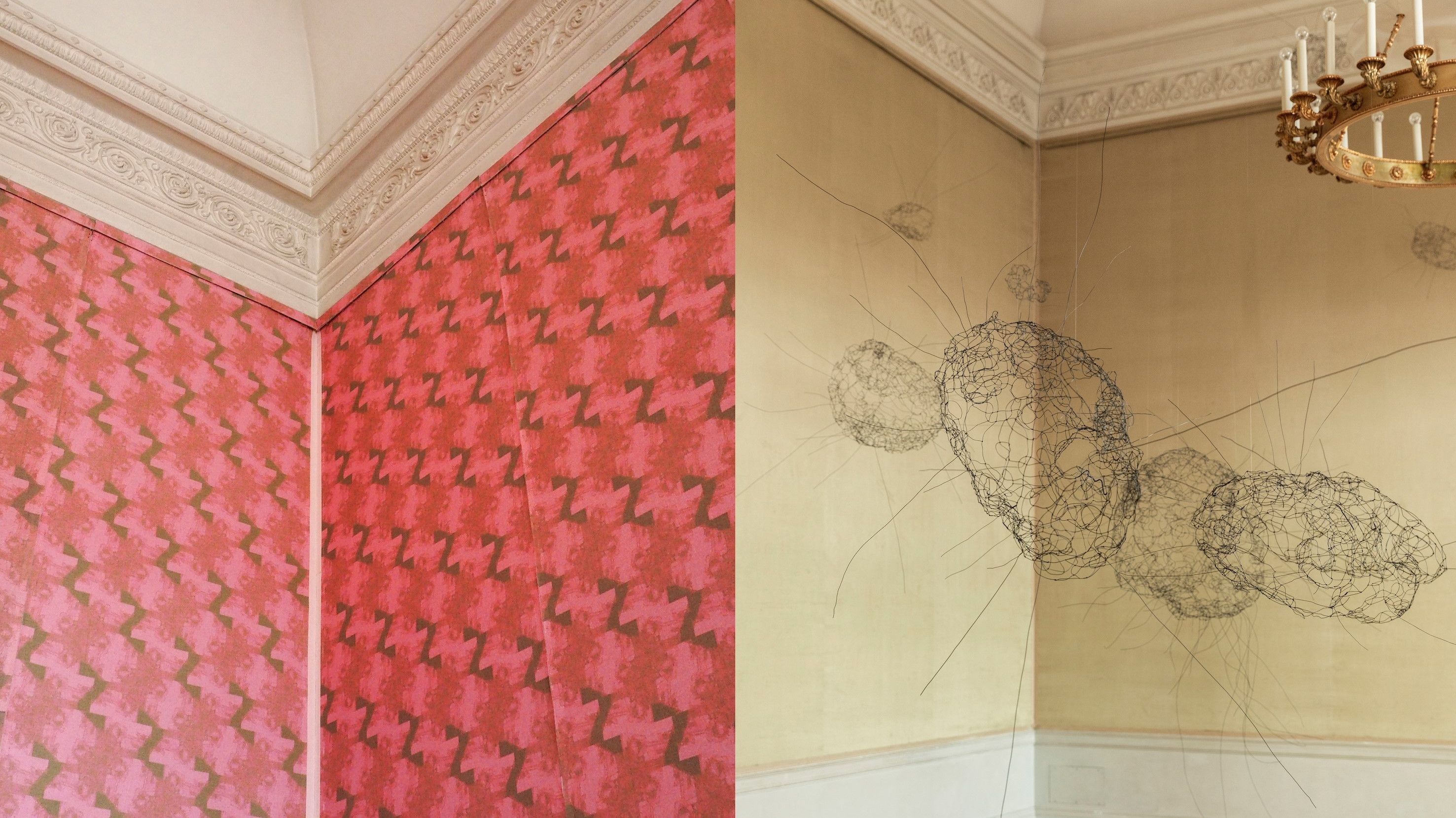 Arbeiten der Künstlerinnen Brigitte Schwacke (rechts) und Katharina Gaenssler (links)