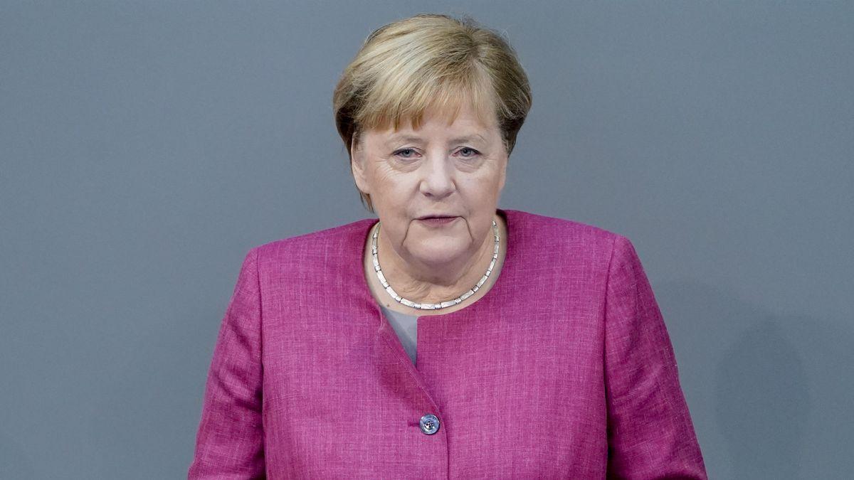 Bundeskanzlerin Angela Merkel bei einer Rede im Bundestag am 30.9.20