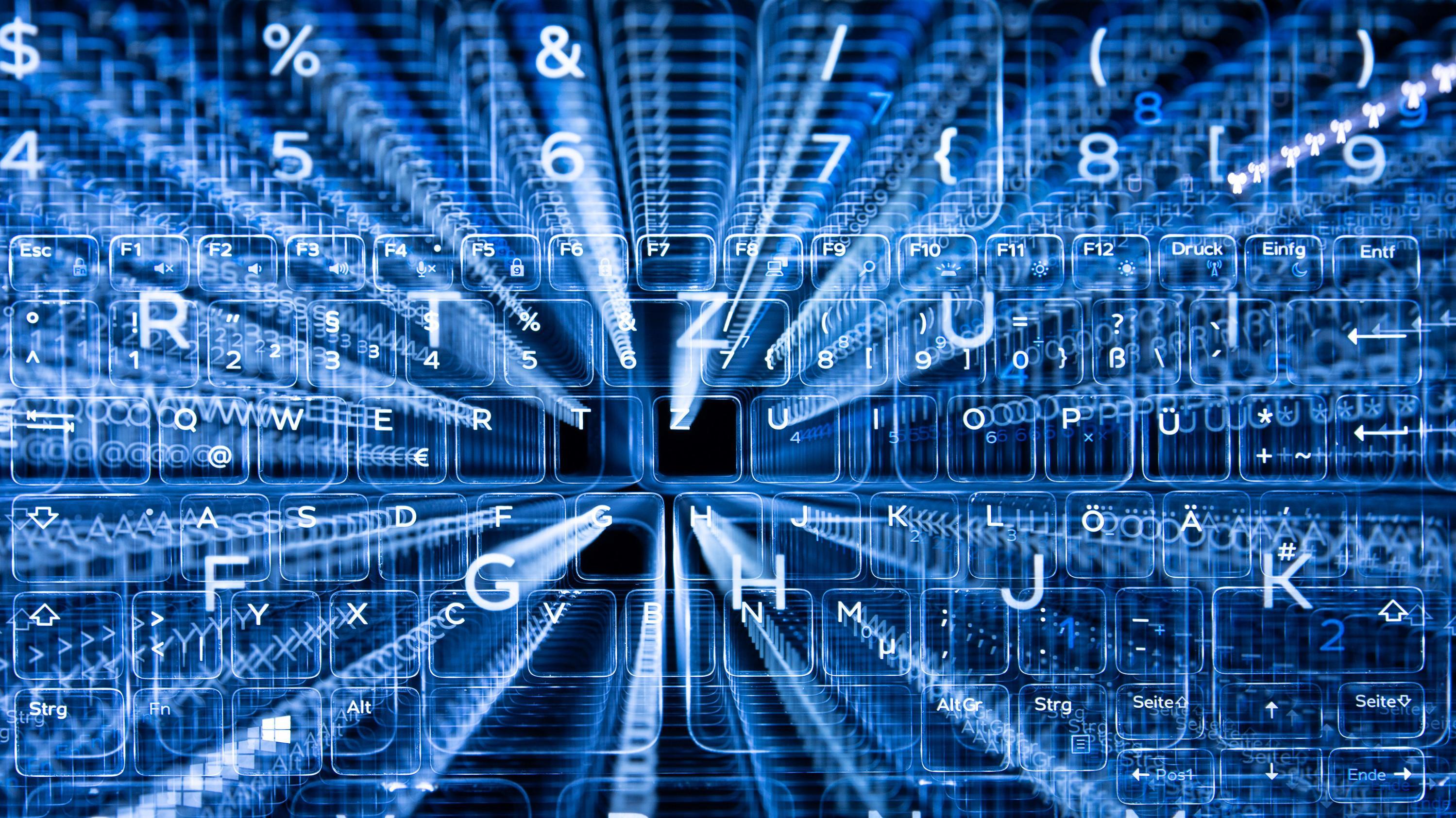 Cybersicherheit - Tasten einer beleuchteten Tastatur
