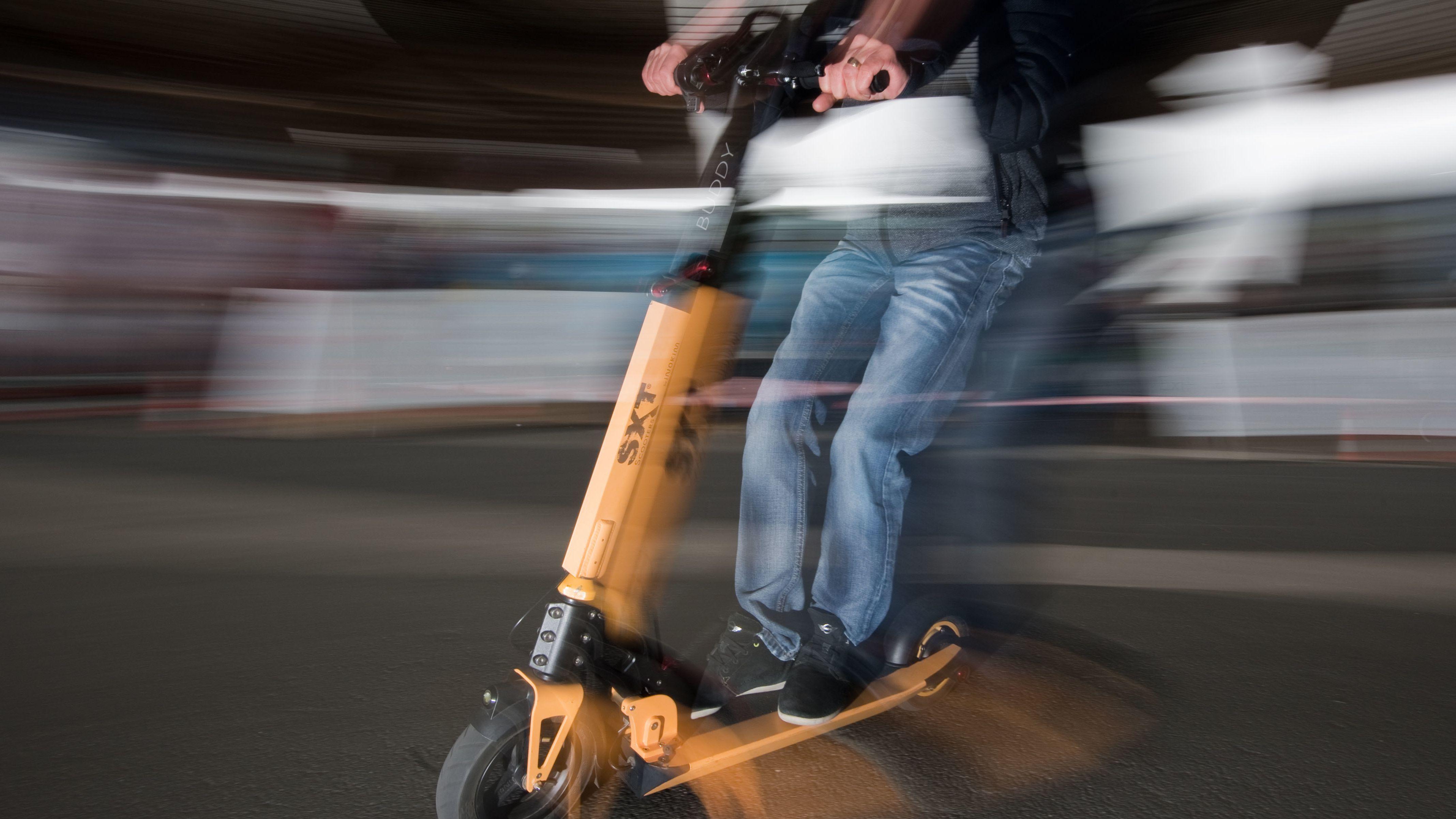 Polizei warnt vor Suff-Fahrten mit E-Scootern.
