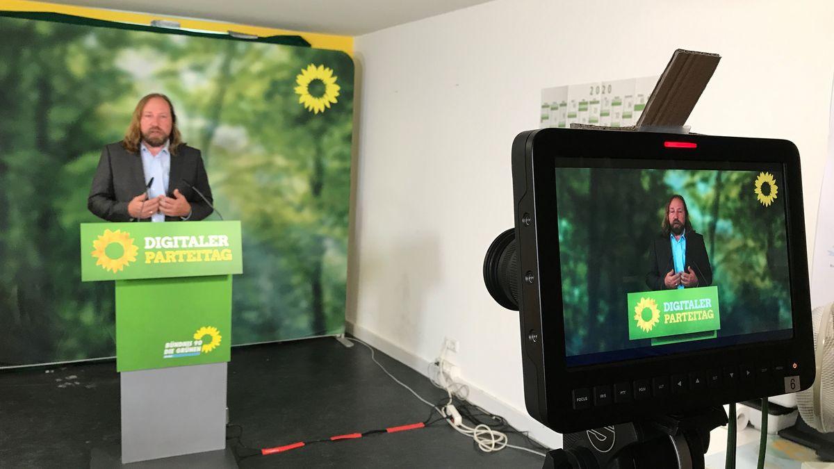 Für die bayerischen Grünen ist es eine Premiere: zum ersten Mal halten sie ihren kleinen Parteitag im Netz ab.