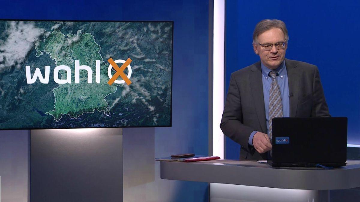 BR-Moderator Charly Hilpert im Nürnberger Fernsehstudio