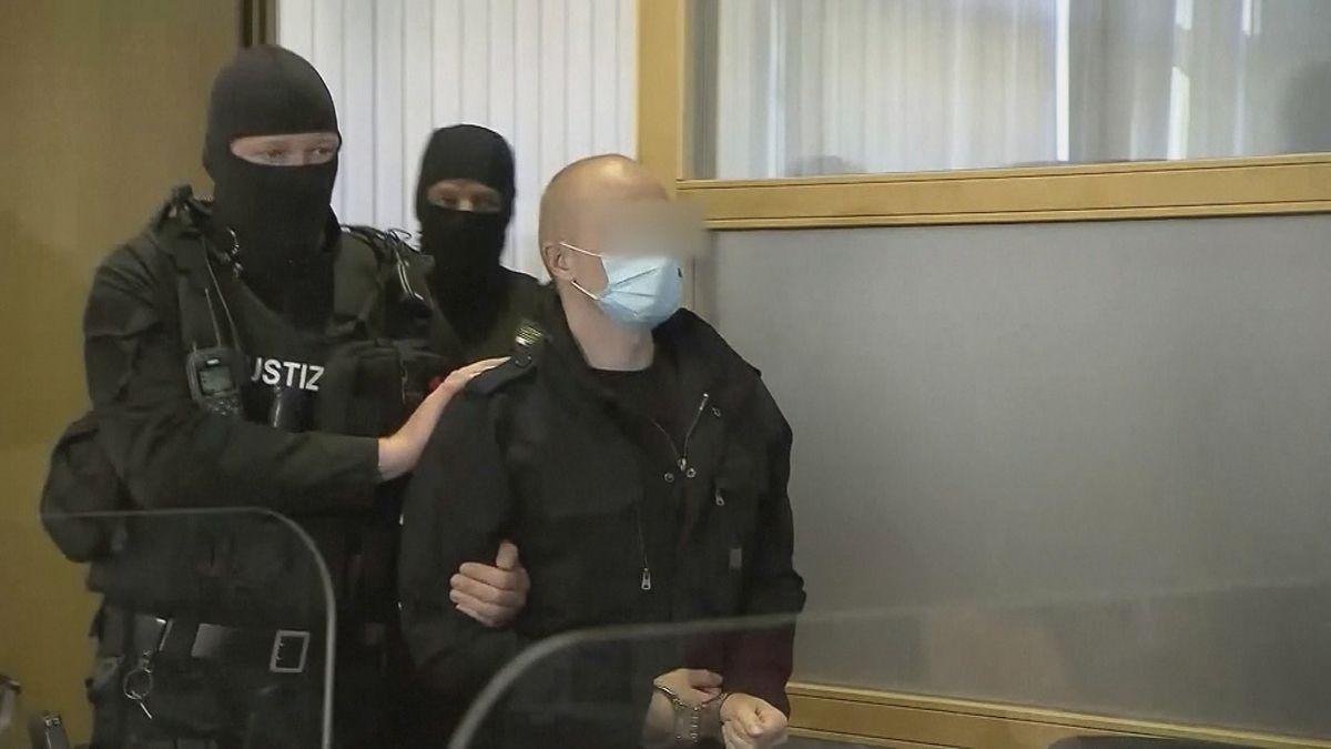 Stephan B., der Attentäter von Halle, hatte Kontakt in die rechtsradikale Online-Szene.