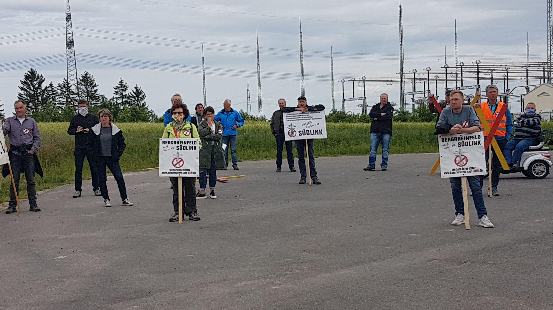 Demo am Umspannwerk in Bergrheinfeld gegen Planungssicherstellungsgesetz