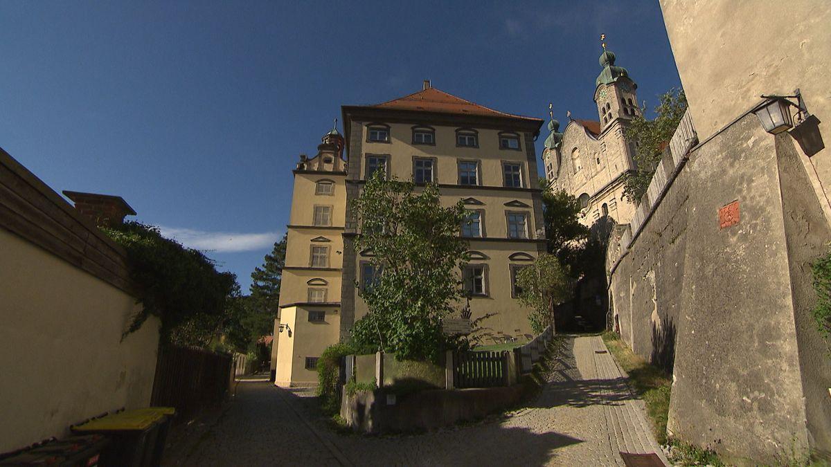 """Die für das Jahr 2024 in Landsberg am Lech geplante Bayerische Landesausstellung mit dem Titel """"Bayerische Räuber"""" wurde abgesagt."""