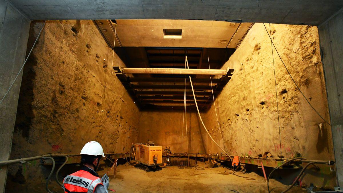 Die Tunnelbaugrube verläuft in 16 Metern Tiefe.
