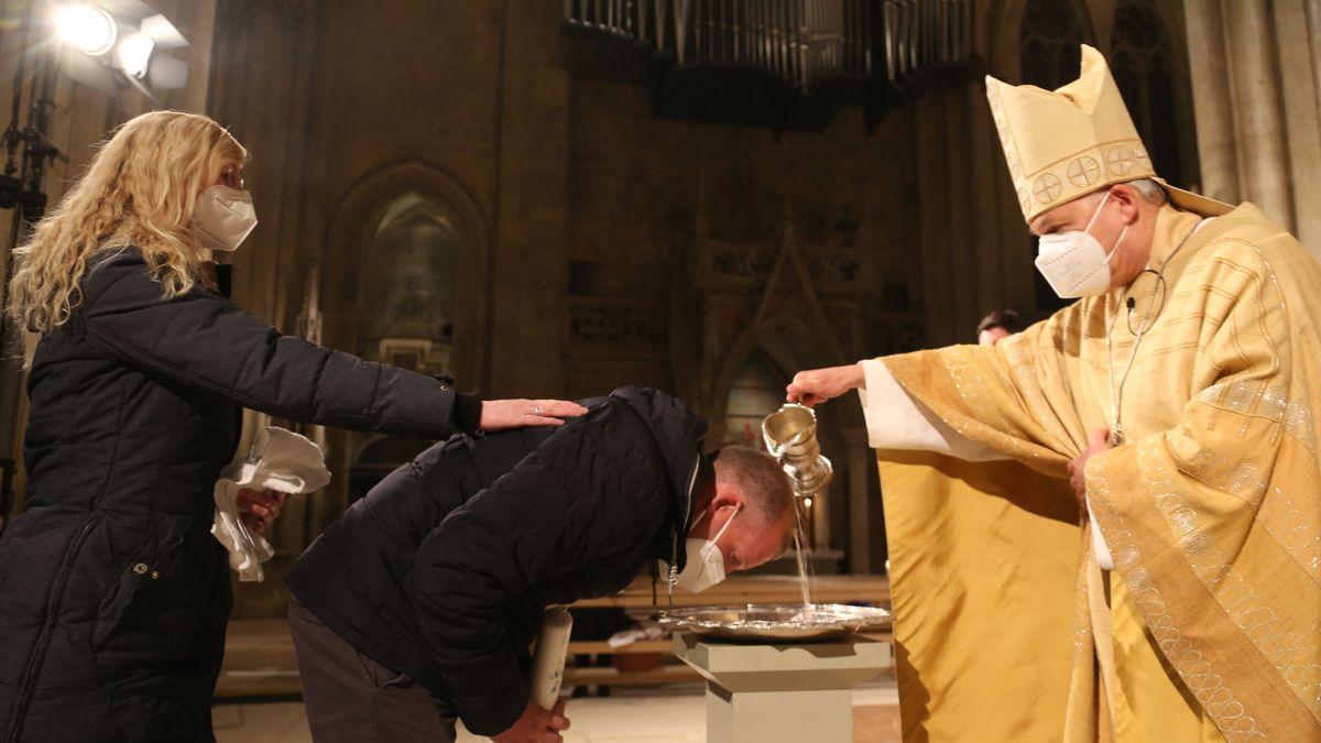 Taufe zu Ostern im Regensburger Dom