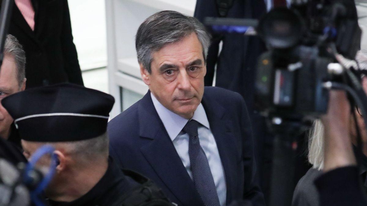 Frankreichs Ex-Premier François Fillon am Rande des Prozesses gegen ihn und seine Frau.