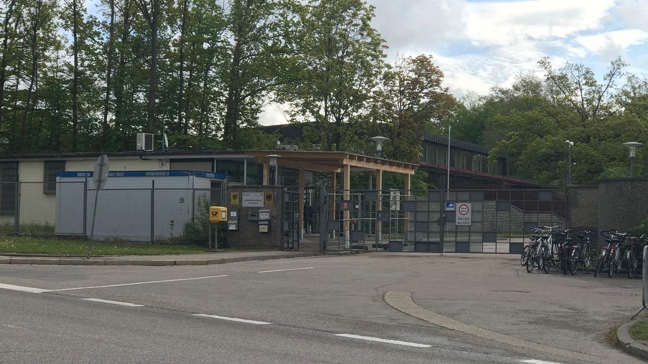 Der Eingang zum Ankerzentrum in Donauwörth
