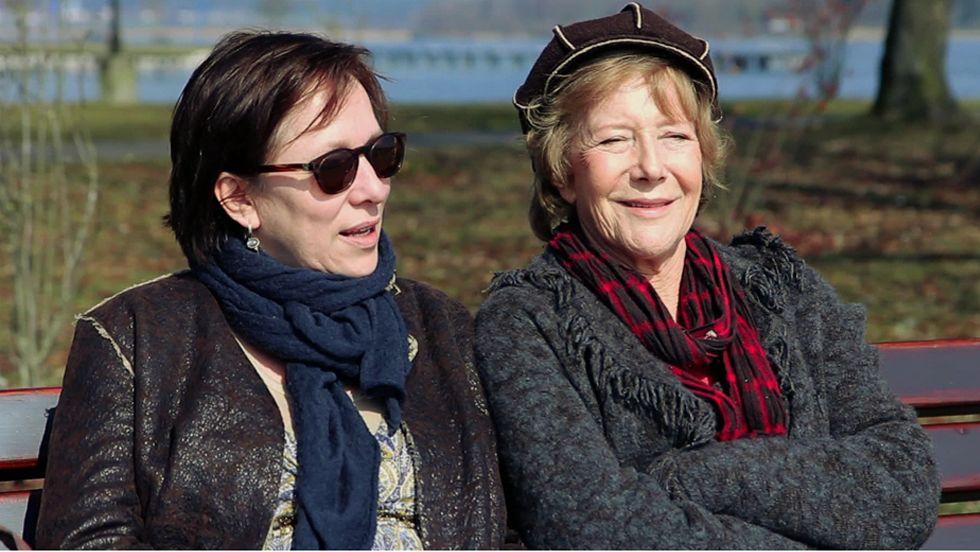 Veronika Fitz (r.) mit ihrer Tochter Ariela Bogenberger in Prien am Chiemsee