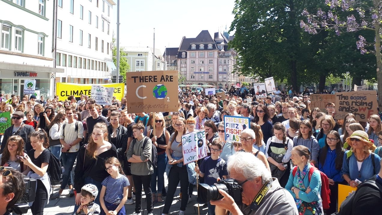 Fridays for Future-Demo in Augsburg im Mai