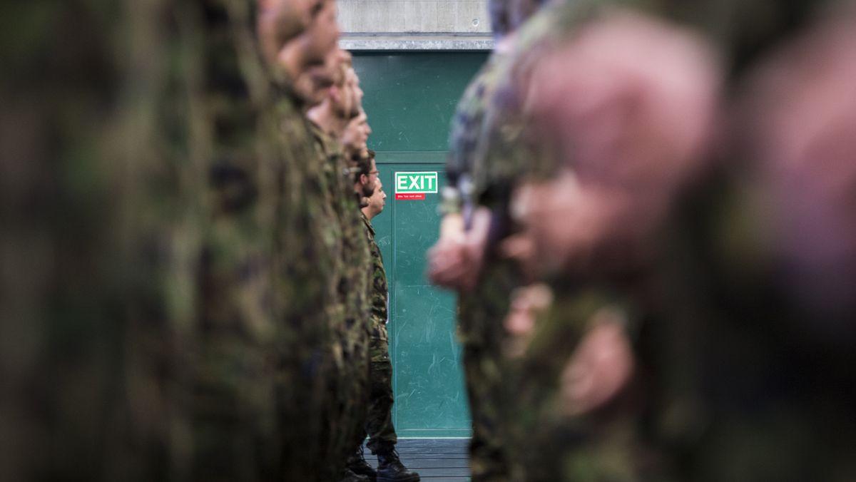 Die neue Wehrbeauftragte der Bundesregierung, Eva Högl, brachte eine Wiedereinführung der Wehrpflicht ins Spiel.