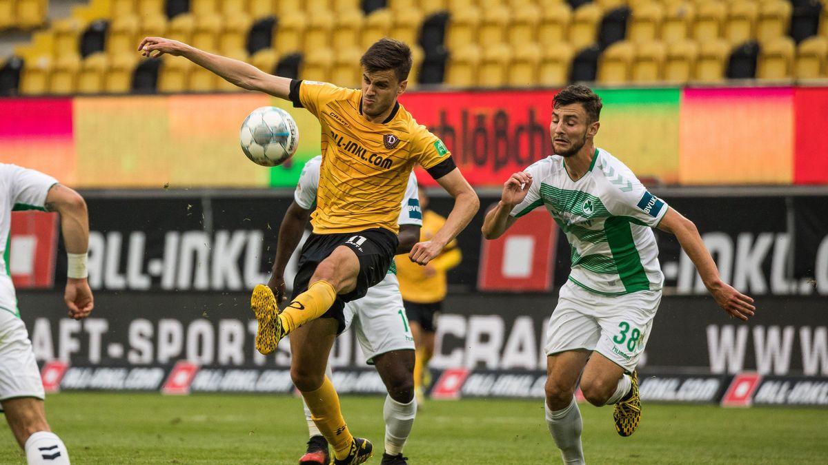 Spielszene Dynamo Dresden - SpVgg Greuther Fürth