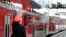 Regionalzug (Symbolbild)   Bild:dpa-Bildfunk