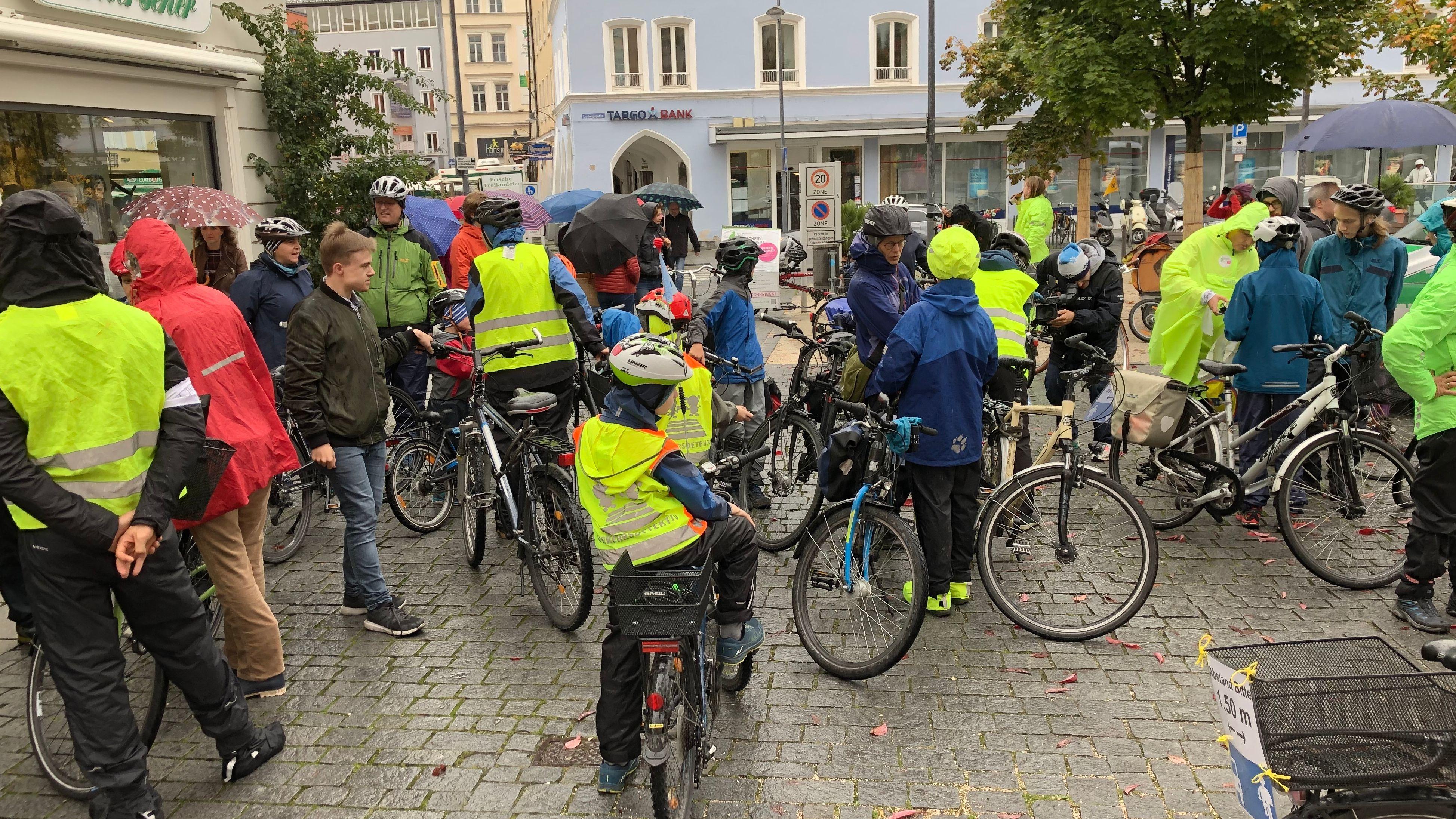 Unterschriftenaktion für Radentscheid in Rosenheim