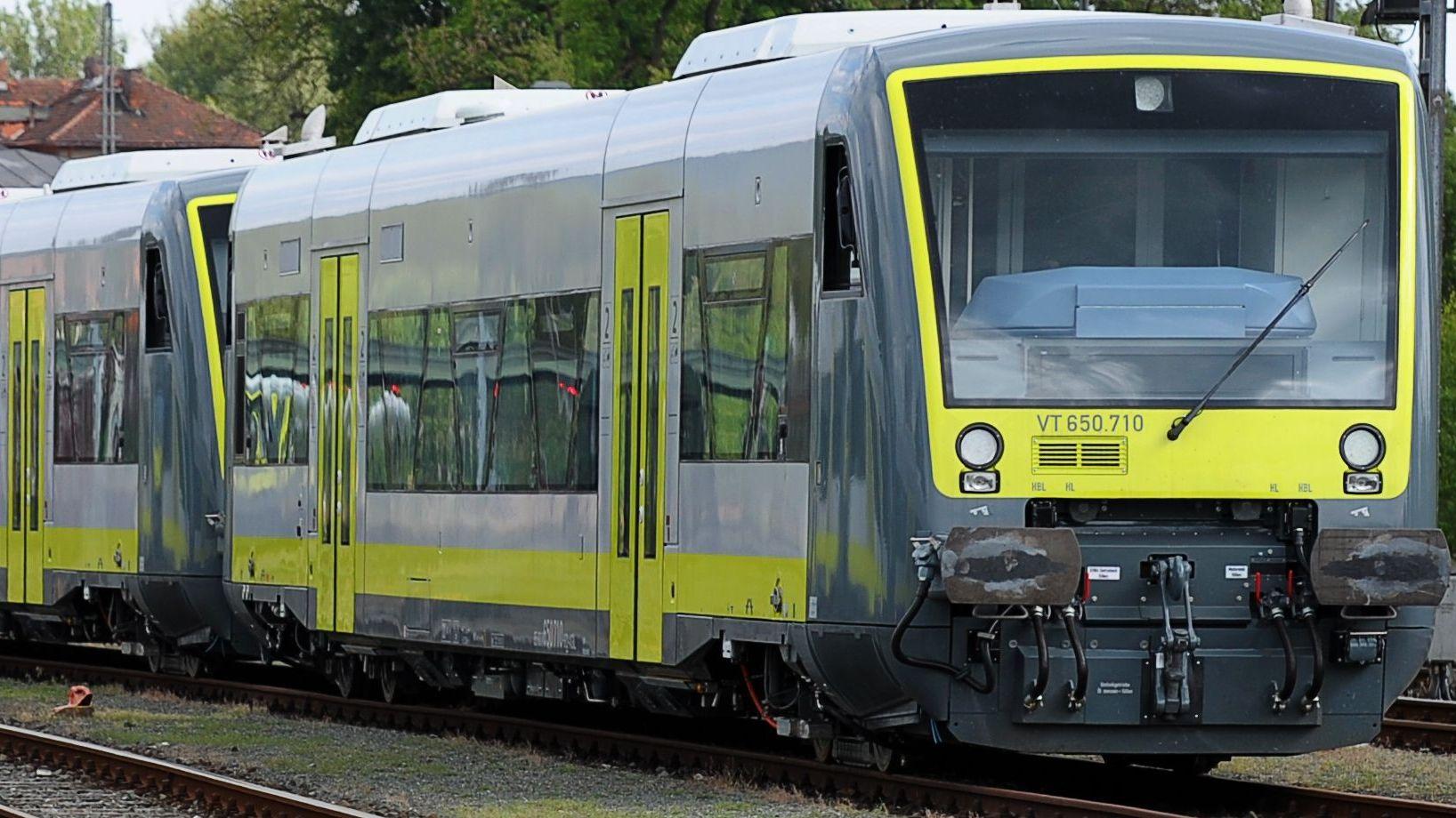 Triebwagen der agilis Verkehrsgesellschaft in Oberfranken.