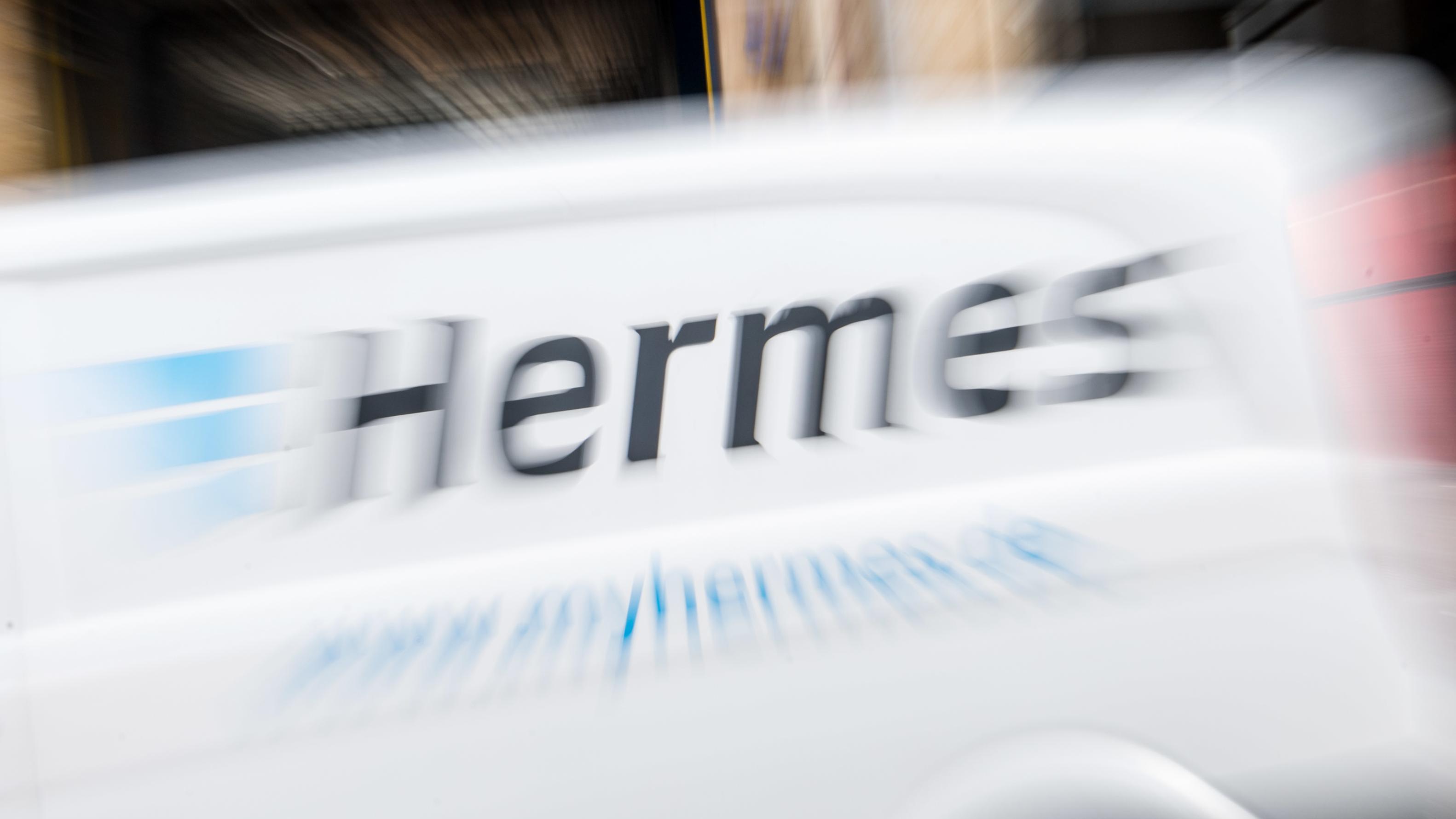 Fahrzeug vom Zusteller Hermes