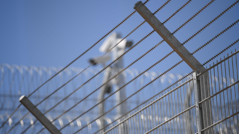 Neue Abschiebeeinrichtung am Flughafen München wird diskutiert