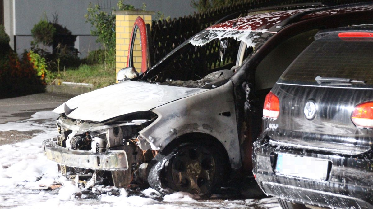 Die beiden Autos entstand ein Schaden in Höhe von rund 20.000 Euro.