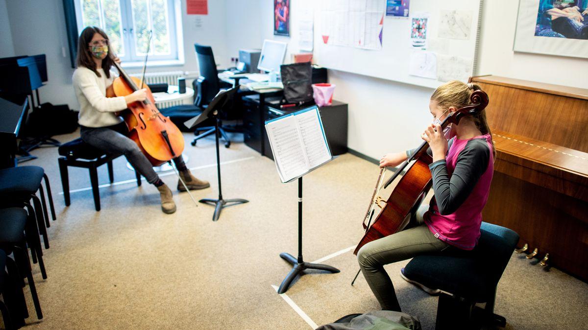 Einzelunterricht in einer Musikschule (Symbolbild)