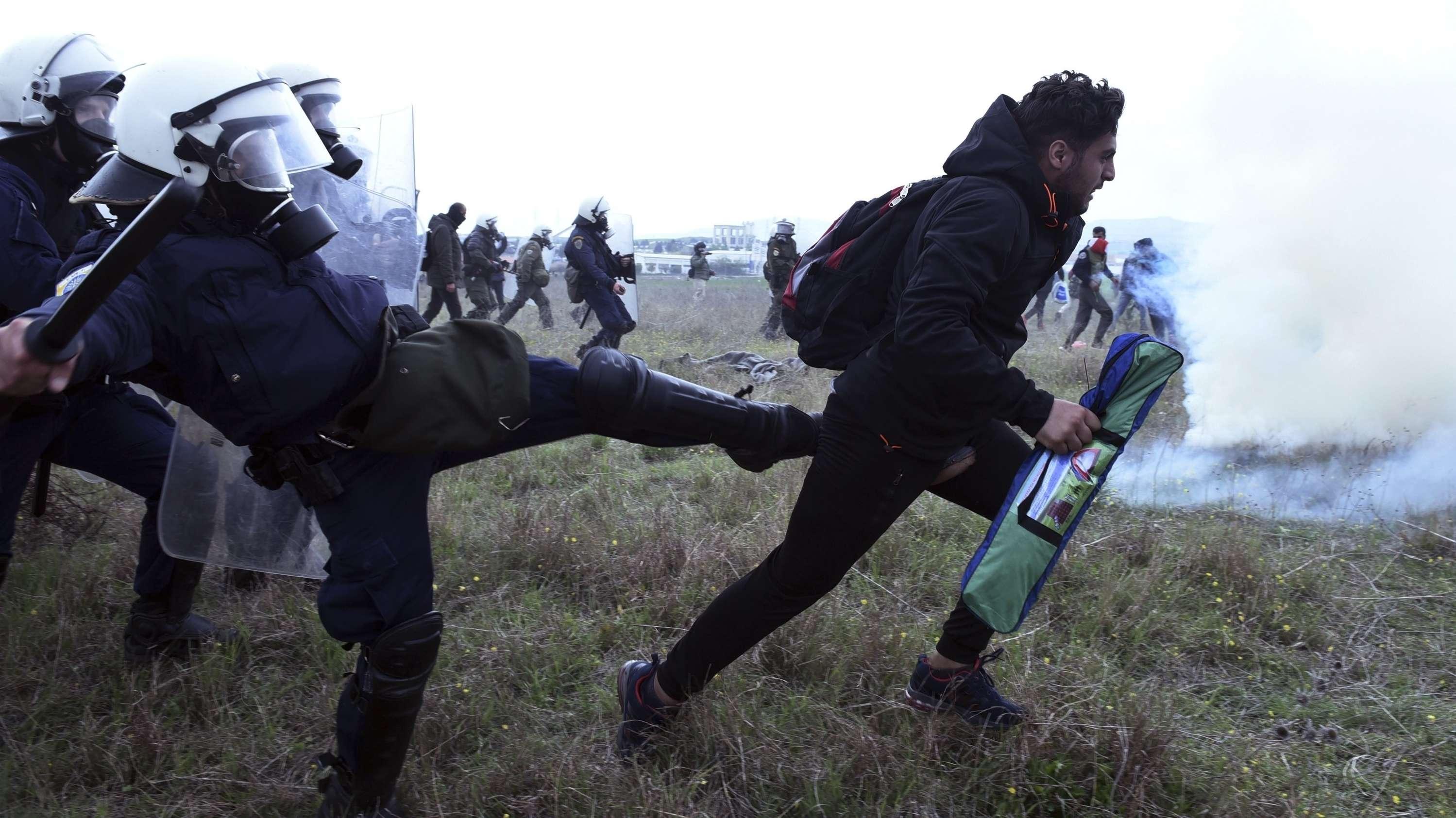 Nordgriechenland: Zusammenstöße von Migranten und Polizisten
