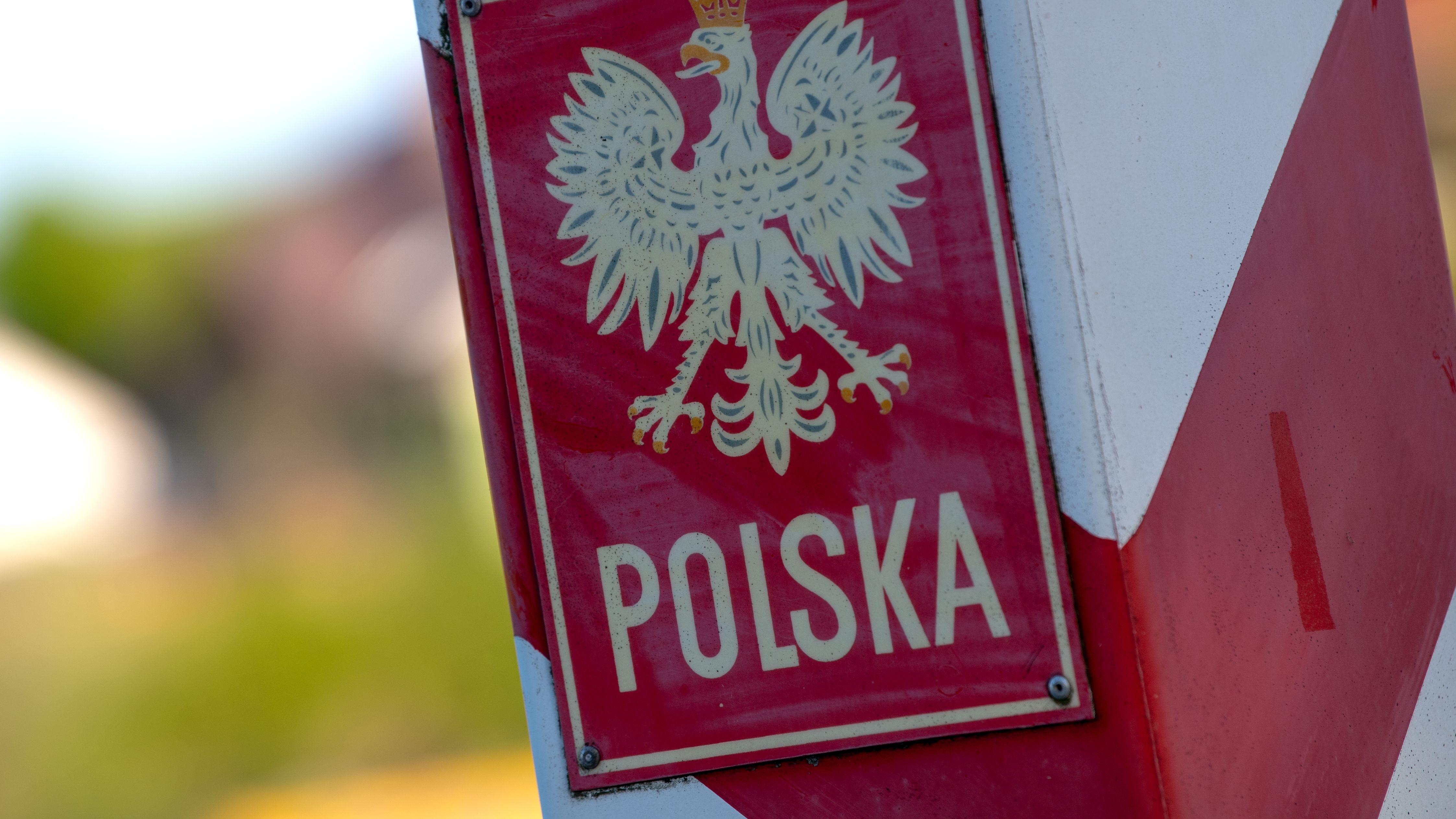 Polnischer Grenzpfeiler an der Oder